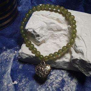 Green beaded heart bracelet